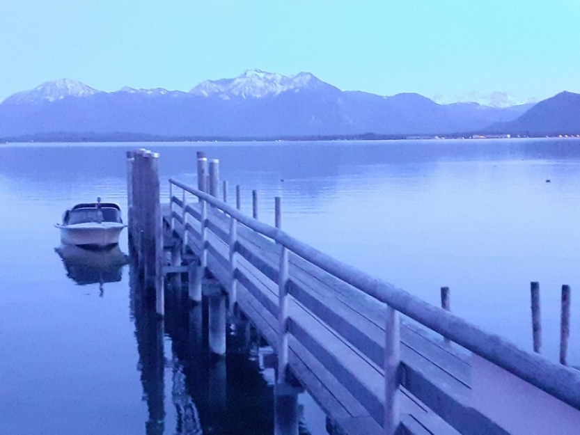 http://pini-art.de/files/gimgs/th-18_Stille  -  Neu 09-20 Chiemsee    250_v2.jpg